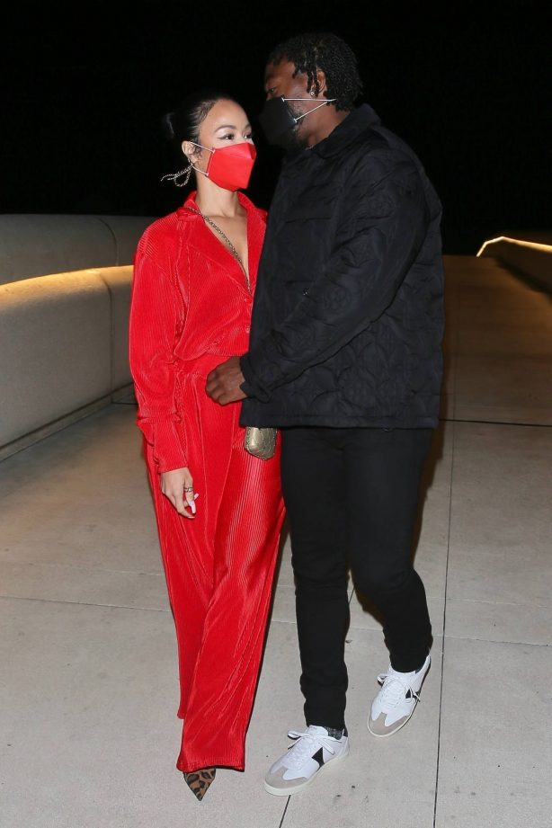 Draya Michele - With boyfriend Tyrod Taylor enjoy romantic walk in Santa Barbara