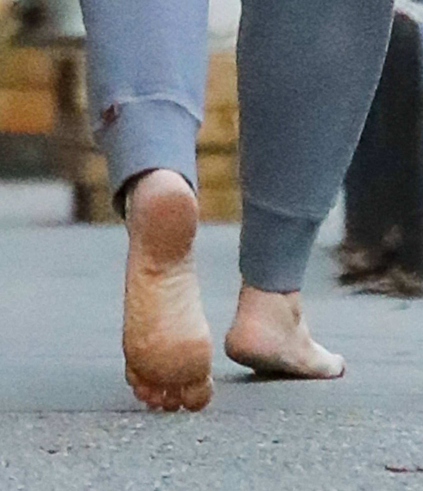 Drew Barrymore 2021 : Drew Barrymore – Goes barefoot while out and about in New York-11
