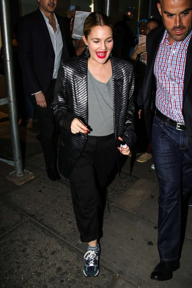 Drew Barrymore - Heads to a restaurant in New York