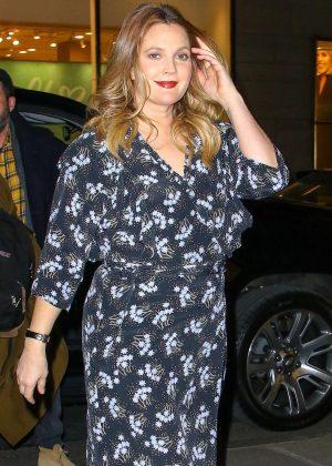 Drew Barrymore in Long Dress - Shopping in NY