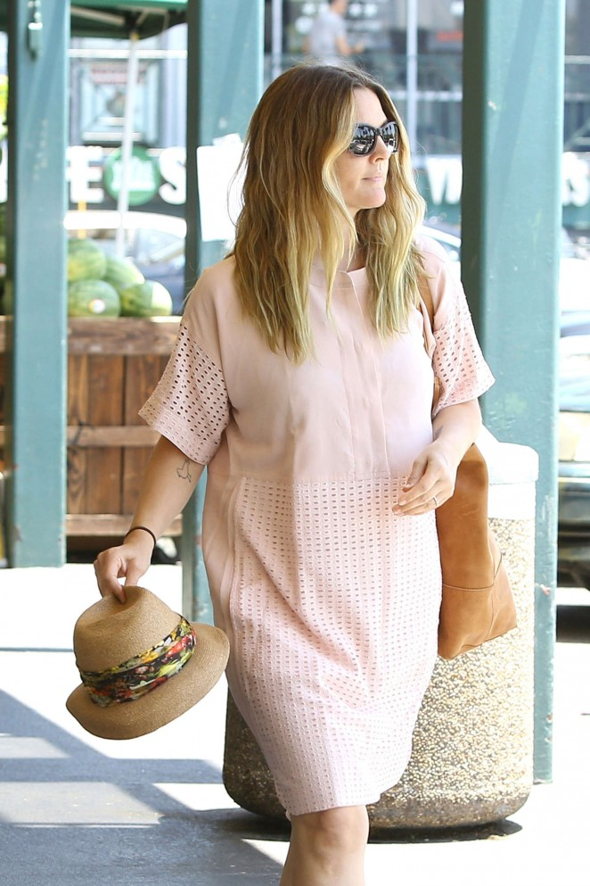 Drew Barrymore – Shopping at Whole Foods in West Hollywood
