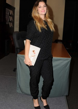 Drew Barrymore - Wildflower Book Signing at Barnes & Noble in Los Angeles