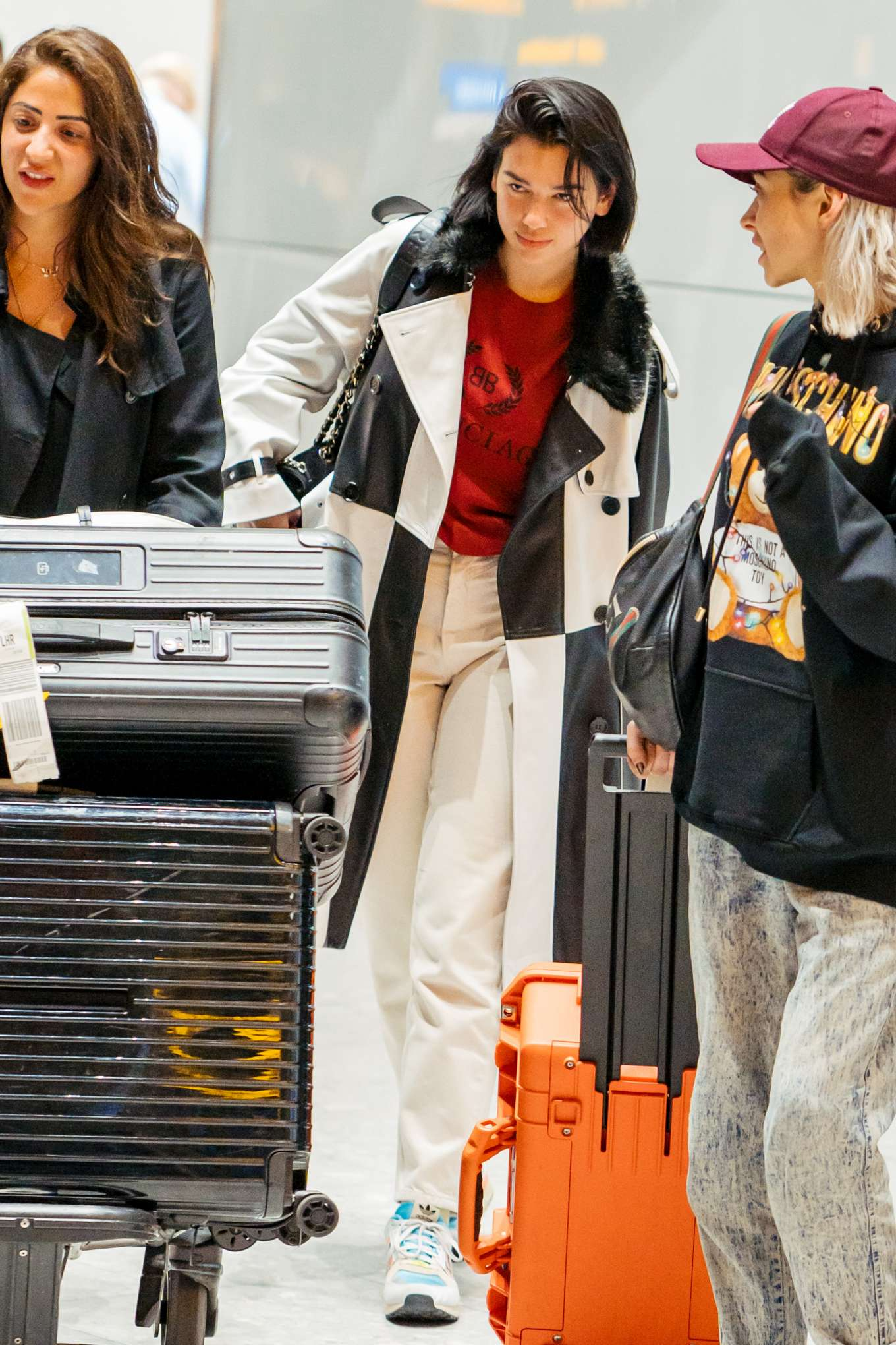 Dua Lipa 2019 : Dua Lipa: Arrives at Heathrow Airport-06