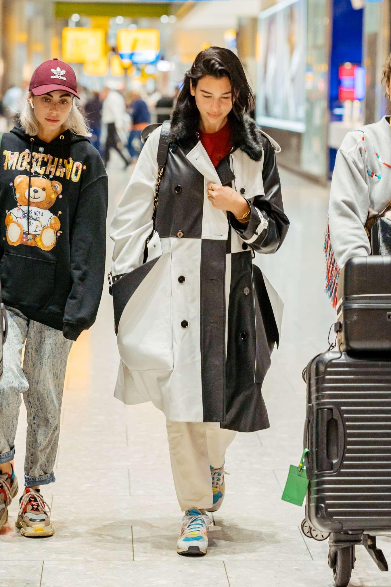 Dua Lipa 2019 : Dua Lipa: Arrives at Heathrow Airport-14