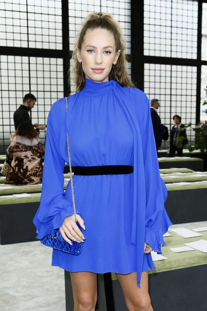 Dylan Penn - Valentino Fashion Show 2018 in Paris