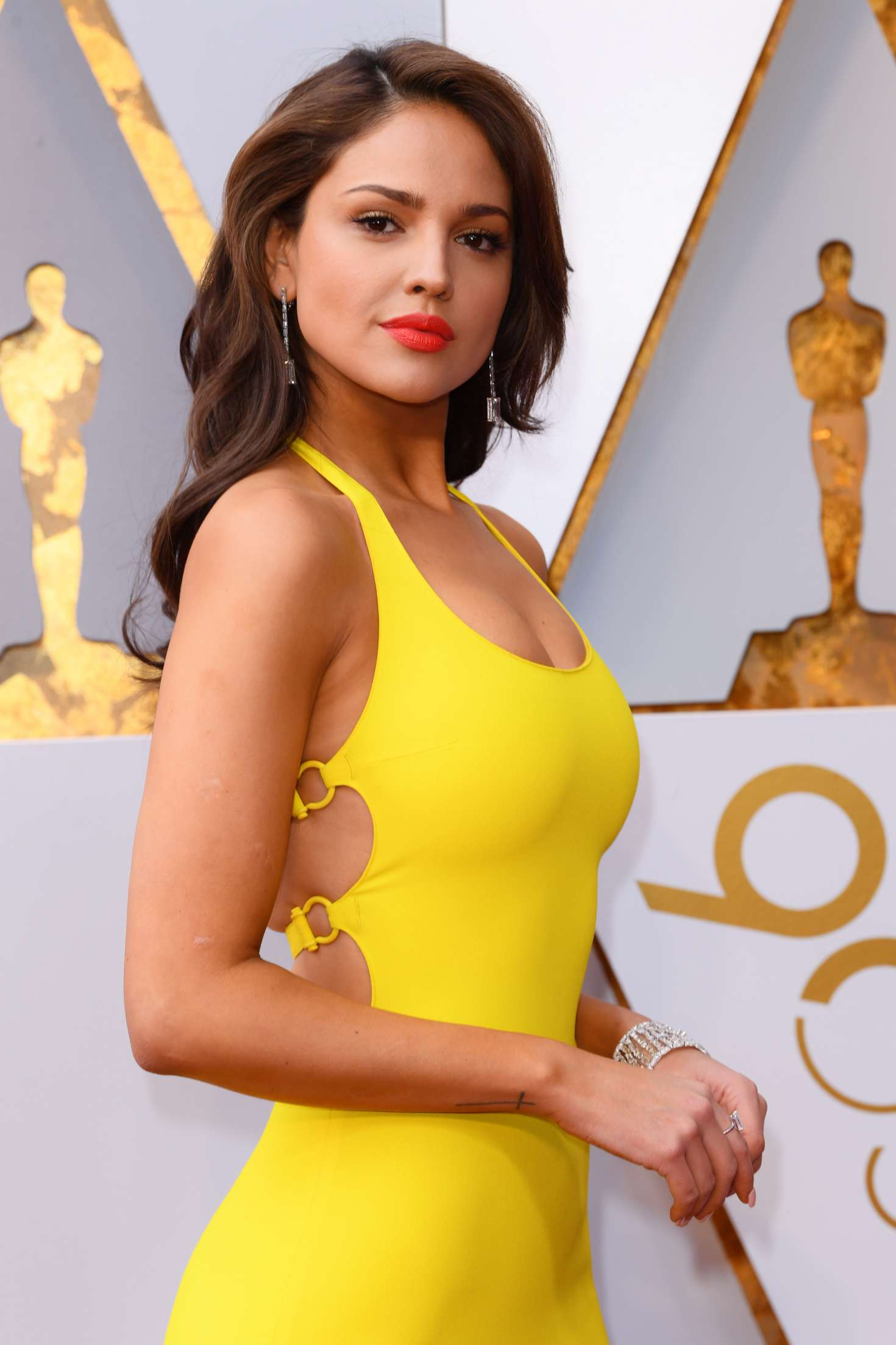 eiza gonzalez  u2013 2018 academy awards in los angeles