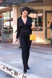 Eiza Gonzalez - Feeds the meter in LA