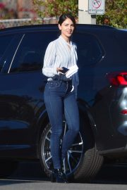 Eiza Gonzalez - Leaving a cafe in LA