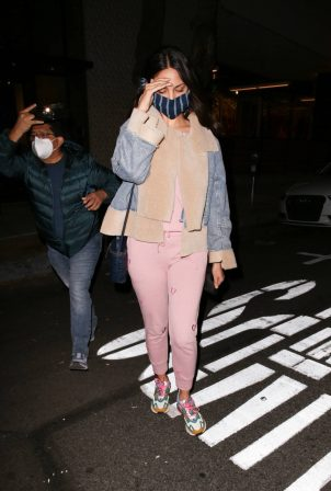 Eiza Gonzalez - Leaving a detox session in West Hollywood
