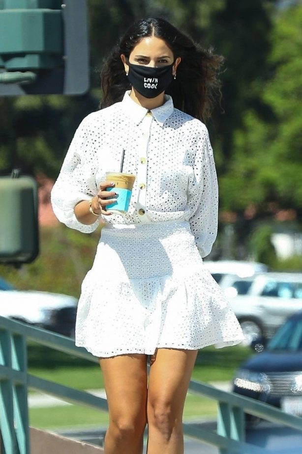 Eiza Gonzalez - Looks stylish in summer outfit at Alfred's in Beverly Hills