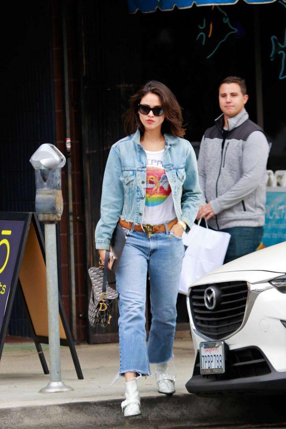 Eiza Gonzalez 2019 : Eiza Gonzalez – Out for lunch in Studio City-08
