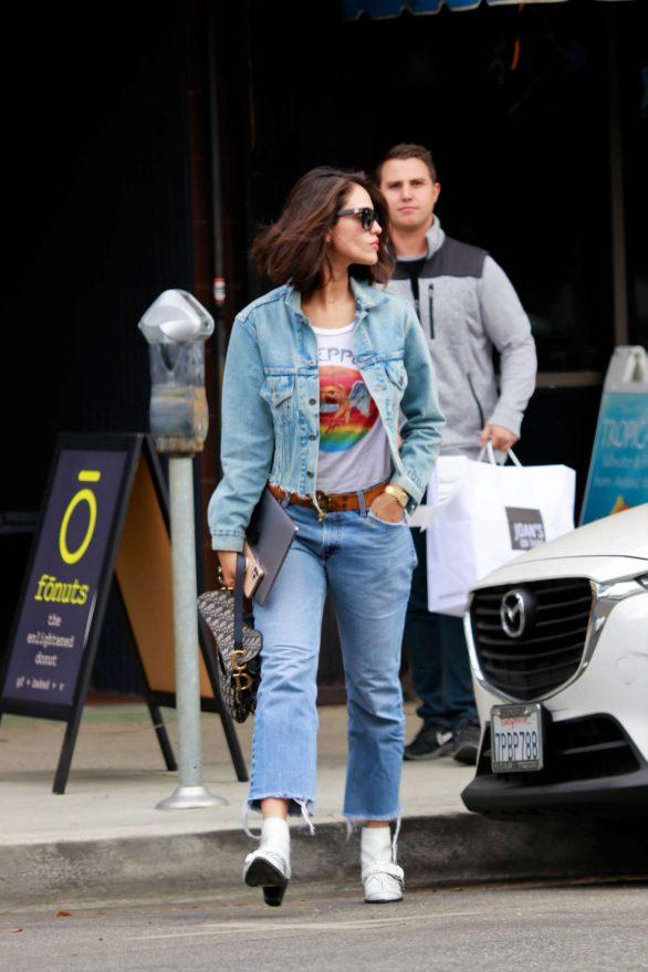 Eiza Gonzalez 2019 : Eiza Gonzalez – Out for lunch in Studio City-16
