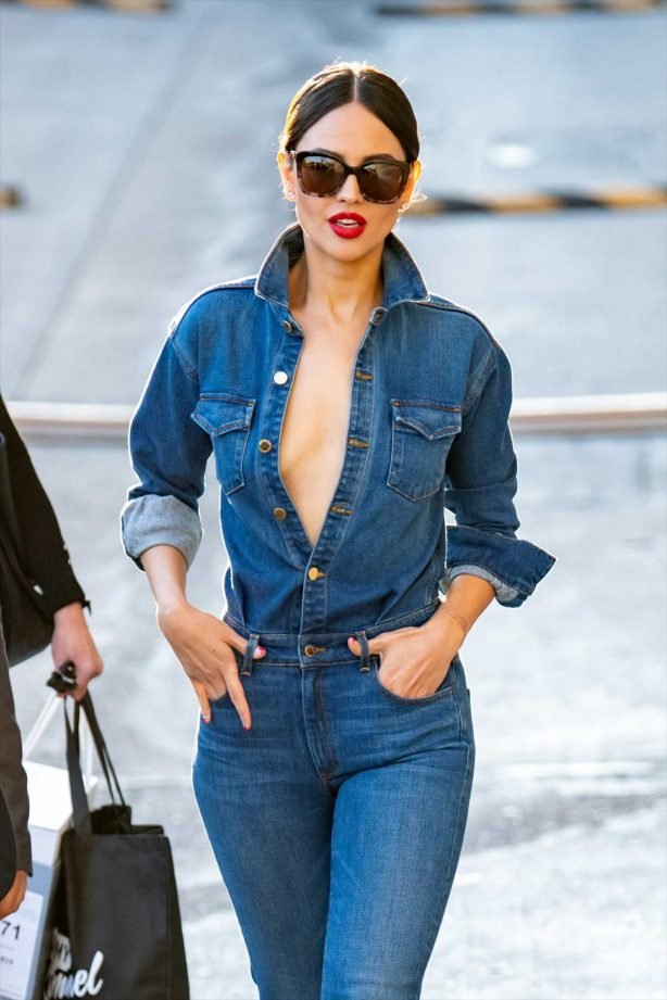 Eiza Gonzalez - Outside the studios of the Jimmy Kimmel Live! Show in Los Angeles