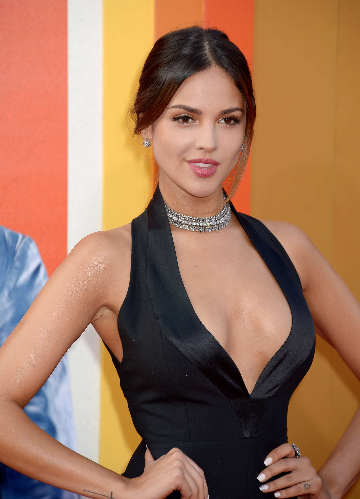 eiza gonzalez  u2013  u0026 39 the nice guys u0026 39  premiere in los angeles