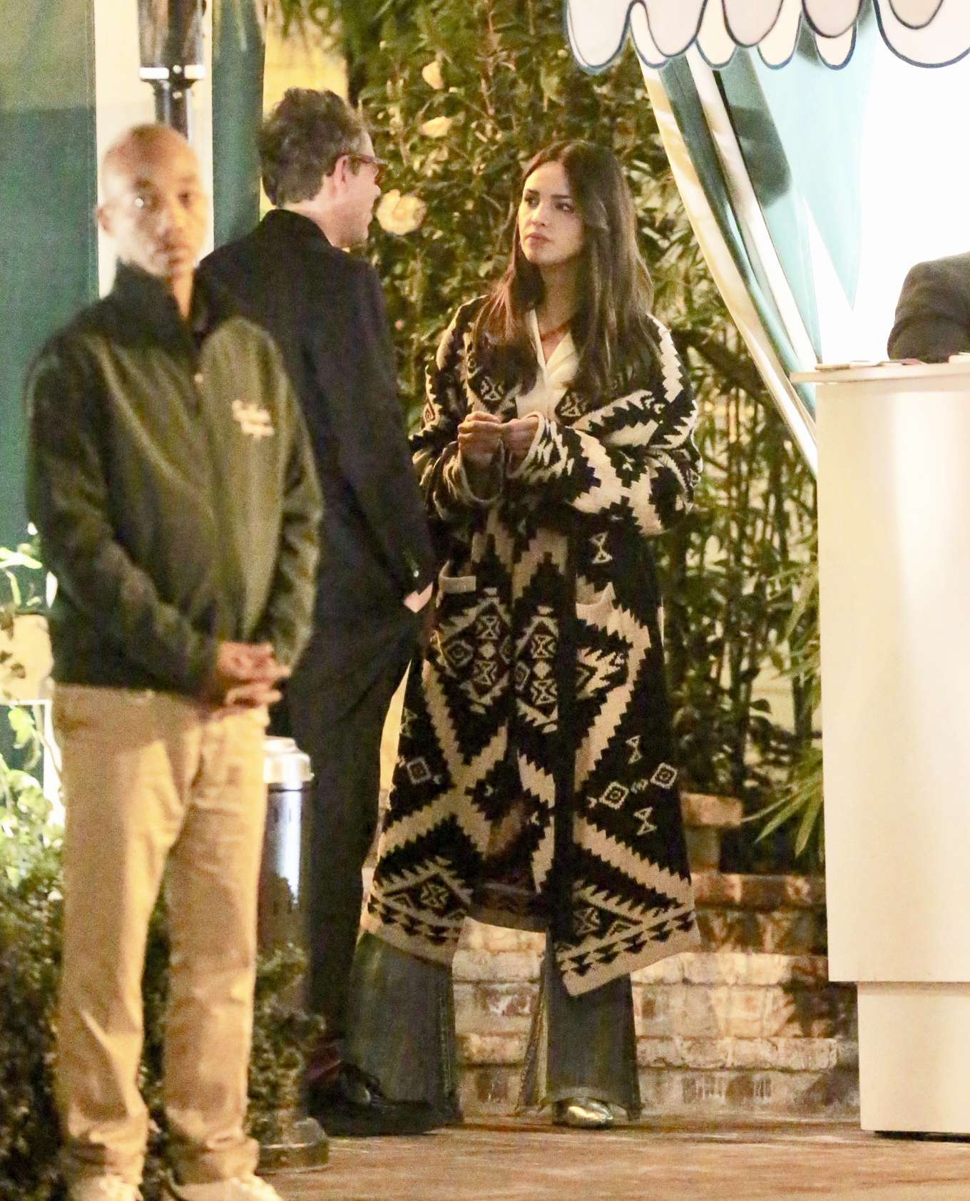 Eiza Gonzalez Valentines Day Dinner Date With Nfl Star Julian Edelman In Hollywood 05 Gotceleb