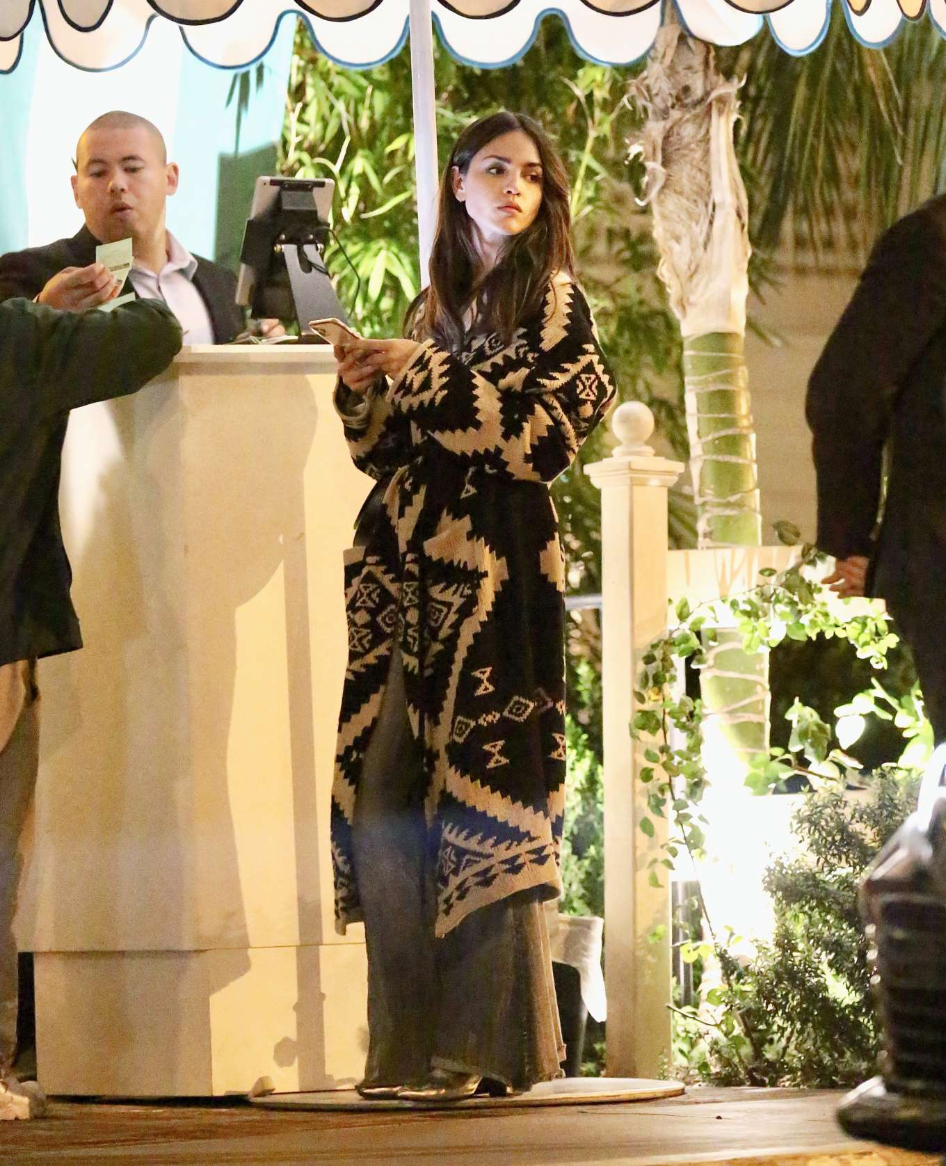 Eiza Gonzalez Valentines Day Dinner Date With Nfl Star Julian Edelman In Hollywood 06 Gotceleb