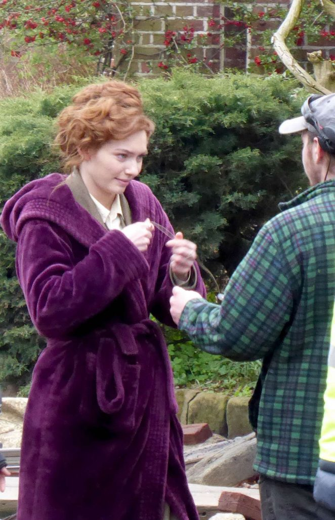 Eleanor Tomlinson - Filming new BBC drama 'War of the Worlds' in Cheshire