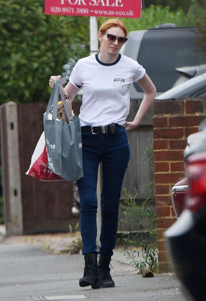 Eleanor Tomlinson - Shopping in London