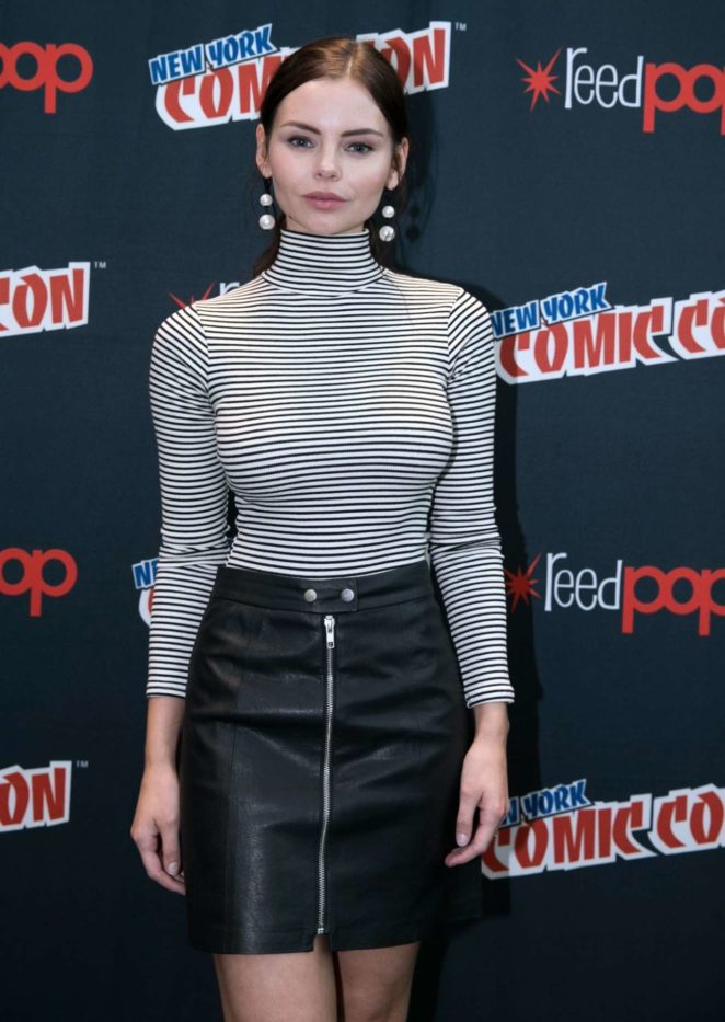 Eline Powell - 'Siren' Photocall at 2017 New York Comic Con