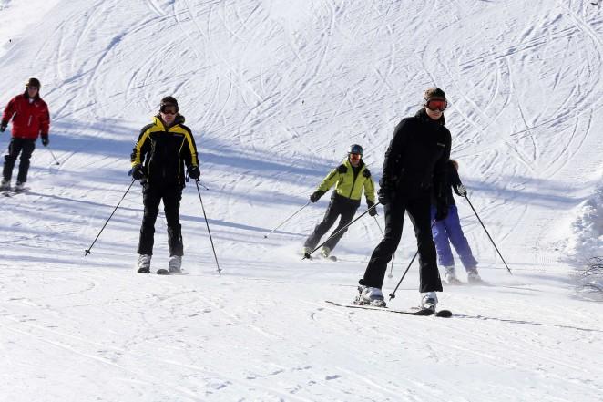 Elisabetta Canalis 2016 : Elisabetta Canalis and Brian Perri Skiing in Cortina DAmpezzo -02