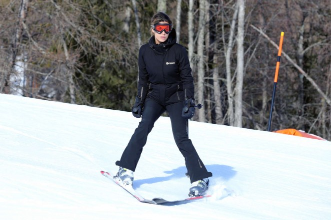 Elisabetta Canalis and Brian Perri Skiing in Cortina DAmpezzo -18