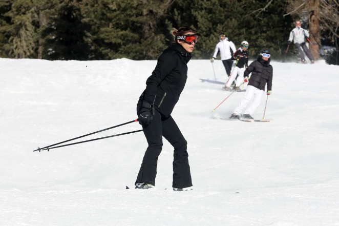 Elisabetta Canalis 2016 : Elisabetta Canalis and Brian Perri Skiing in Cortina DAmpezzo -26
