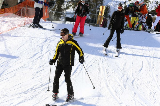 Elisabetta Canalis and Brian Perri Skiing in Cortina DAmpezzo -30