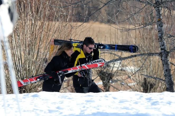Elisabetta Canalis and Brian Perri Skiing in Cortina DAmpezzo -31
