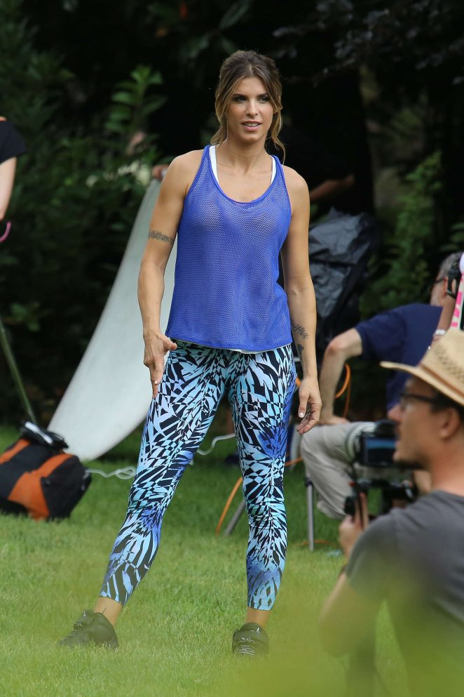 Elisabetta Canalis – Filming advert in the park in Milan