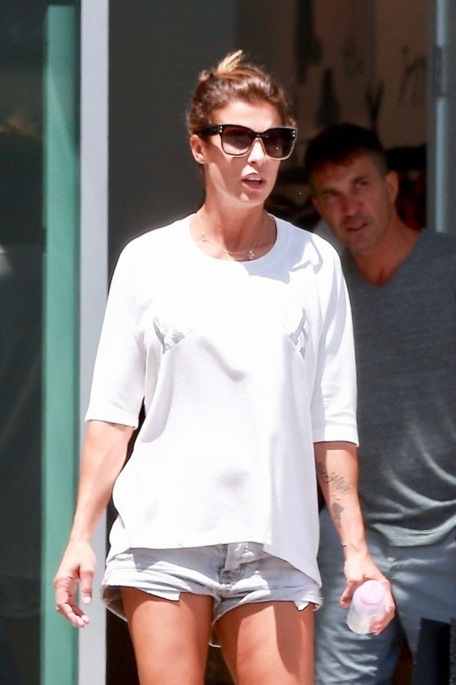 Elisabetta Canalis - Shopping in West Hollywood