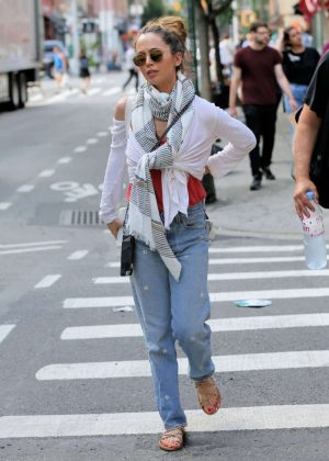 Eliuza Dushku in Jeans Out in New York