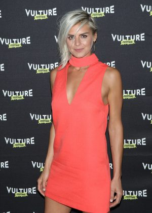 Eliza Coupe - Happy Endings Reunion! at Vulture Festival 2016 in NY