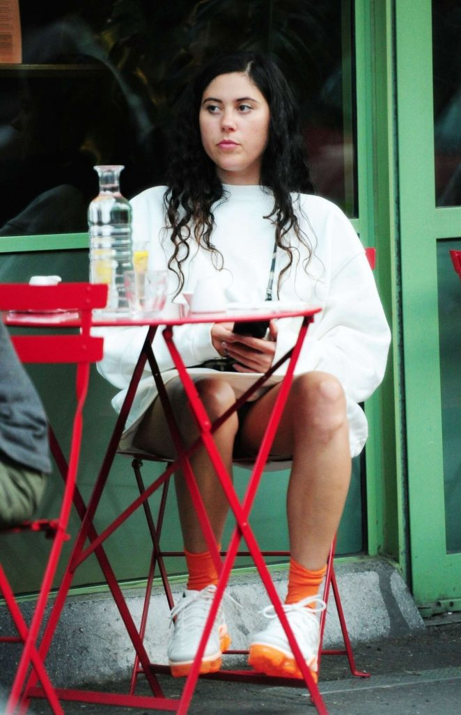 Eliza Doolittle at a vegetarian restaurant in London