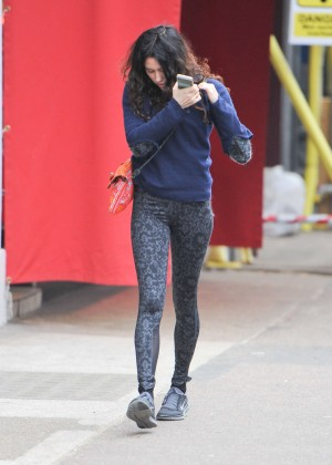 Eliza Doolittle in Tights -05