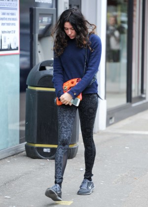 Eliza Doolittle in Tights -06