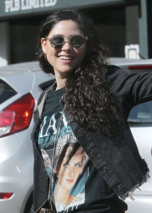 Eliza Doolittle out in London