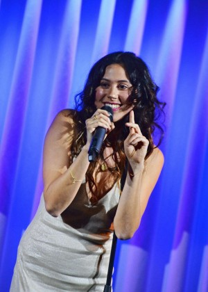 Eliza Doolittle - Performing at Quaglino's in London