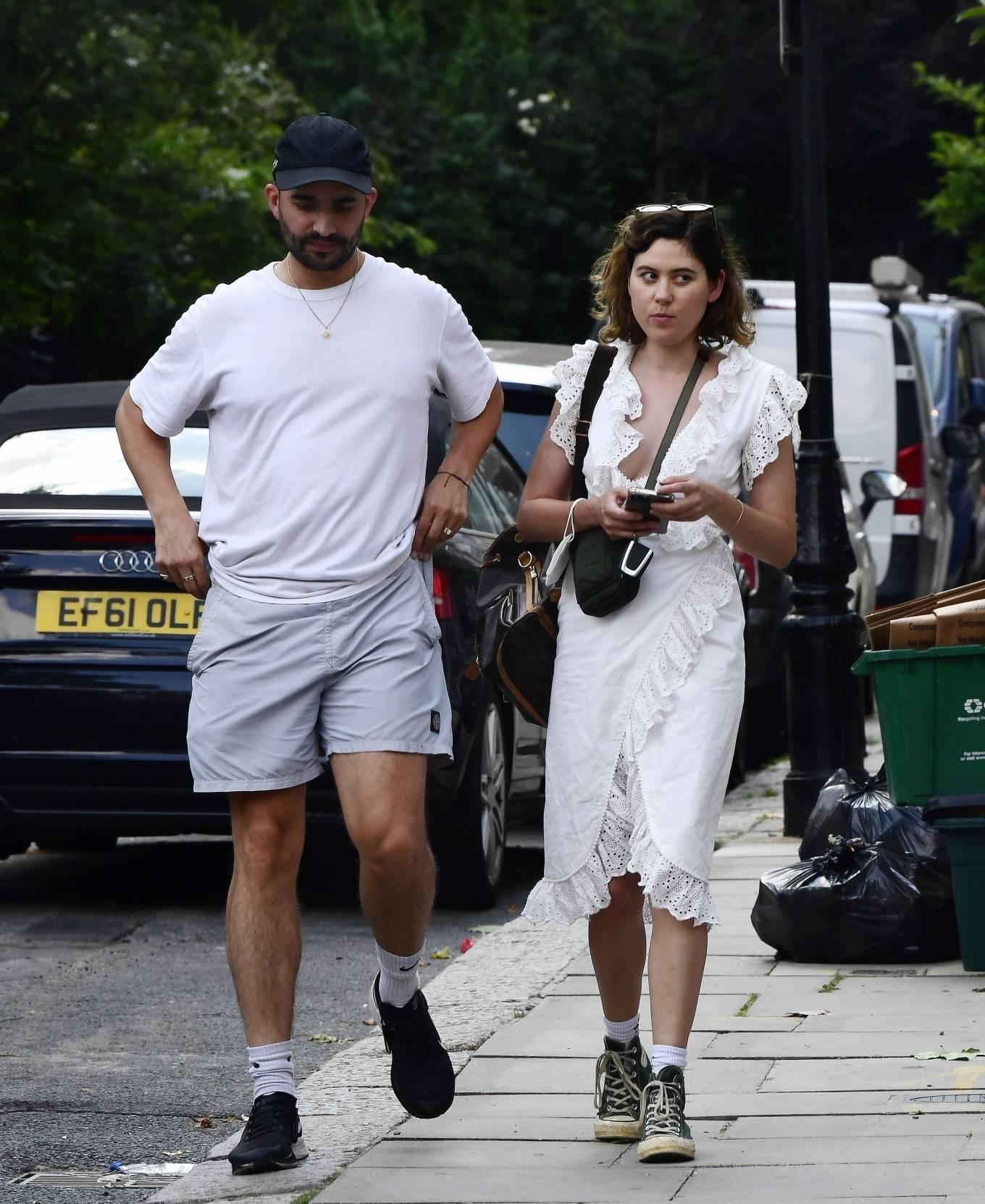 Eliza Doolittle 2021 : Eliza Doolittle – with a mystery male friend in North London-09
