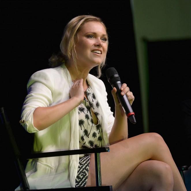 Eliza Taylor in Short Dress -09