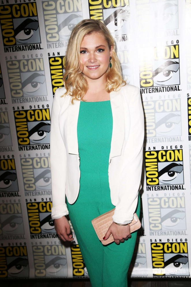 Eliza Taylor – 'The 100' Press Line During Comic-Con in San Diego