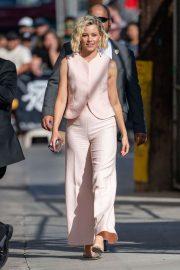Elizabeth Banks - Arrives at Jimmy Kimmel Live in Los Angeles