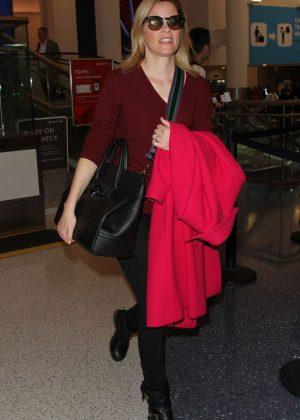 Elizabeth Banks at Los Angeles International Airport