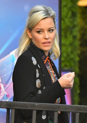 Elizabeth Banks - Leaves a Press event for the Lego Movie in LA