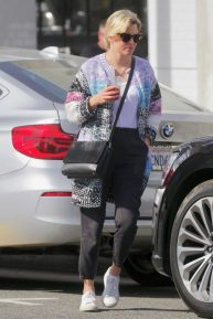 Elizabeth Banks - Seen at Joan's on Third in Los Angeles