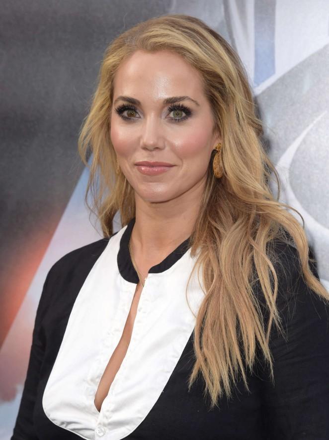 Elizabeth Berkley - 'San Andreas' Premiere in Hollywood