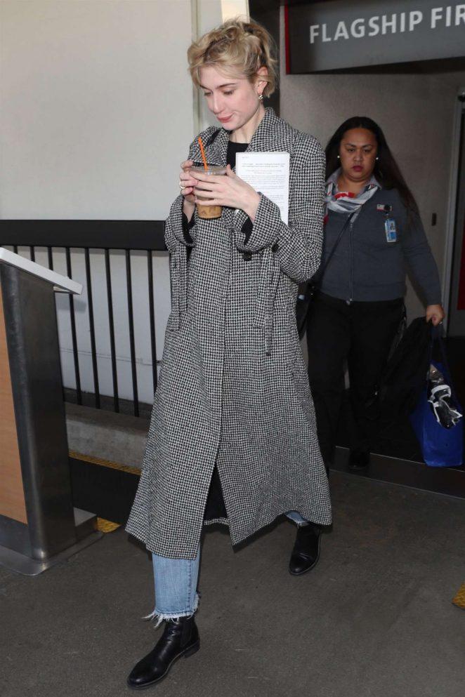 Elizabeth Debicki 2018 : Elizabeth Debicki: Arriving at LAX Airport -04