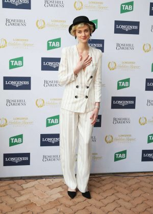 Elizabeth Debicki at 2017 Golden Slipper Day