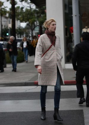 Elizabeth Debicki - Shopping in Beverly Hills