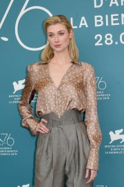 Elizabeth Debicki - 'The Burnt Orange Heresy' Photocall - 76th Venice Film Festival