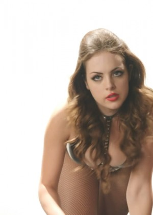 Elizabeth Gillies: Hot Sex and drugs and Rock and Roll video caps-05